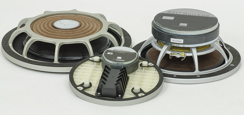 Il woofer che equipaggia il sistema Phantom S è un 8 pollici di produzione  Dali frutto di numerose evoluzioni degli altoparlanti in uso su altri  modelli. 6924b49ee956