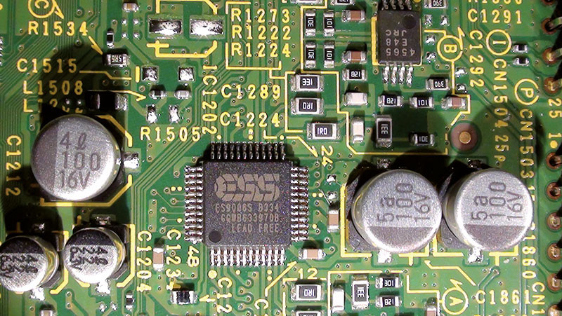Ecco l'ottimo convertitore D/A a otto canali Sabre ES9006S realizzato dalla ESS Technology.