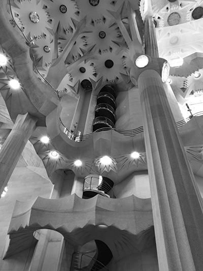 Un esempio della qualità molto elevata delle fotografie in bianco e nero scattate col P9, sempre all'interno della Sagrada Familia.