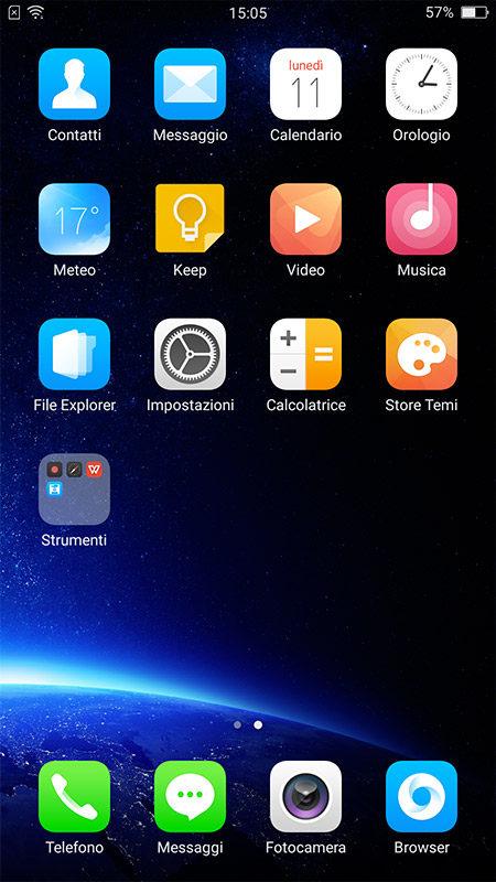 """La grafica richiama molto quella degli smartphone di Apple; le app disponibili sono derivate dalla versione """"stock"""" di Android e disposte per pagine, senza drawer."""