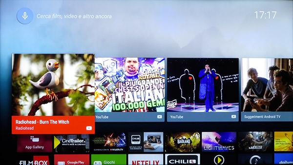 La schermata principale della Smart TV richiamabile dal tasto Home del telecomando è molto simile a quella di altri apparecchi che sfruttano l'OS di Google.
